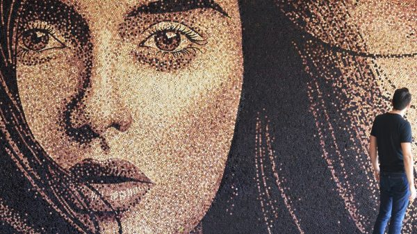 Artist Scott Gundersen creates museum quality portraits with hundreds of thousands of corks