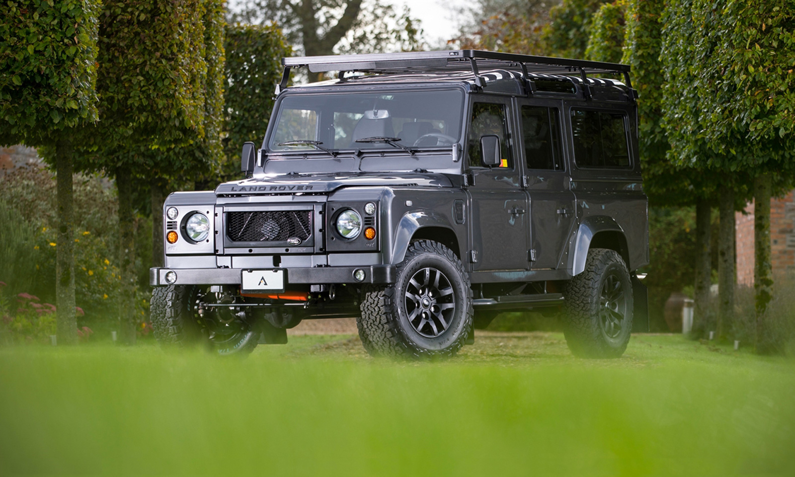 Land Rover Defender by Arkonik