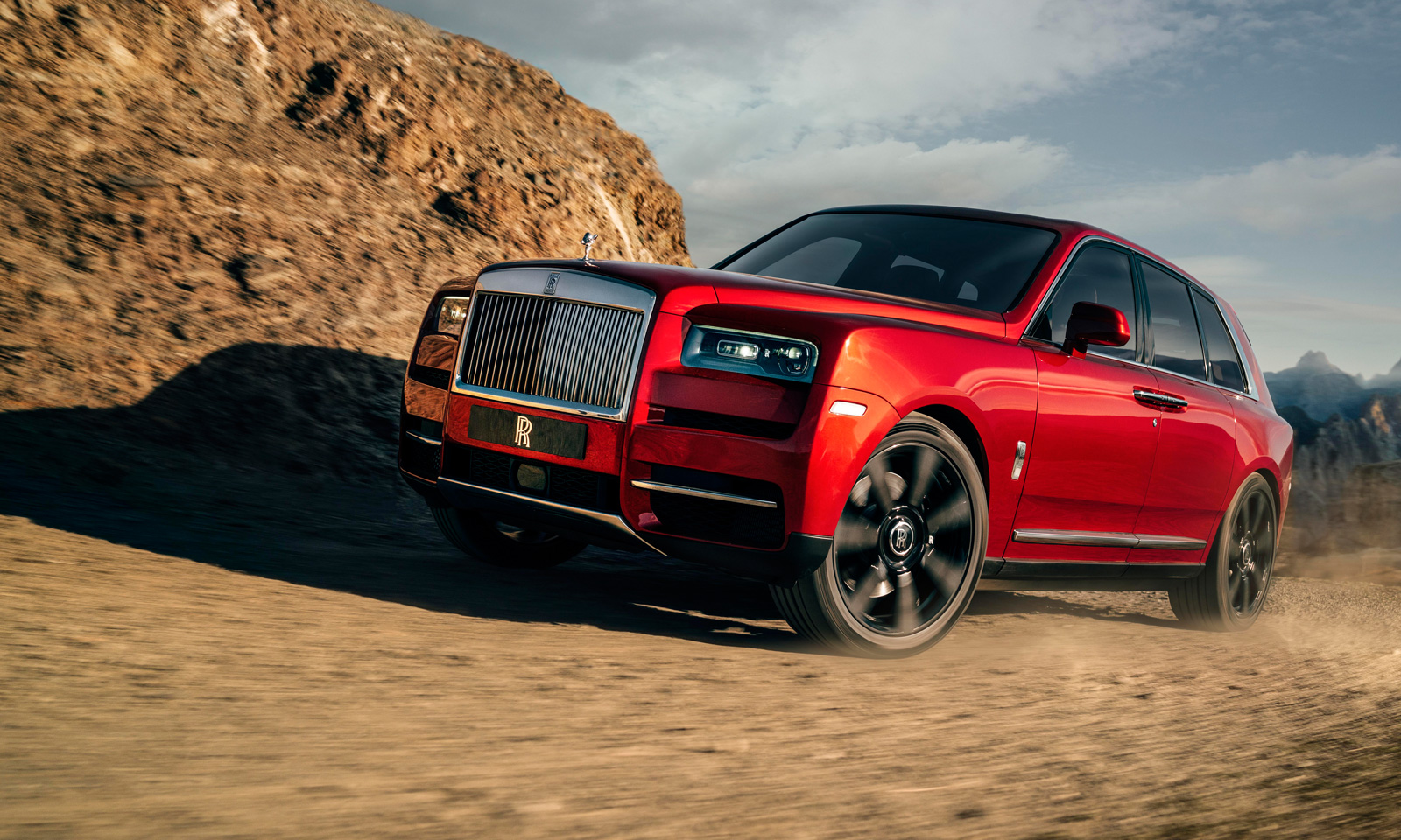 rolls royce luxury suv arrives 19th hole magazine. Black Bedroom Furniture Sets. Home Design Ideas