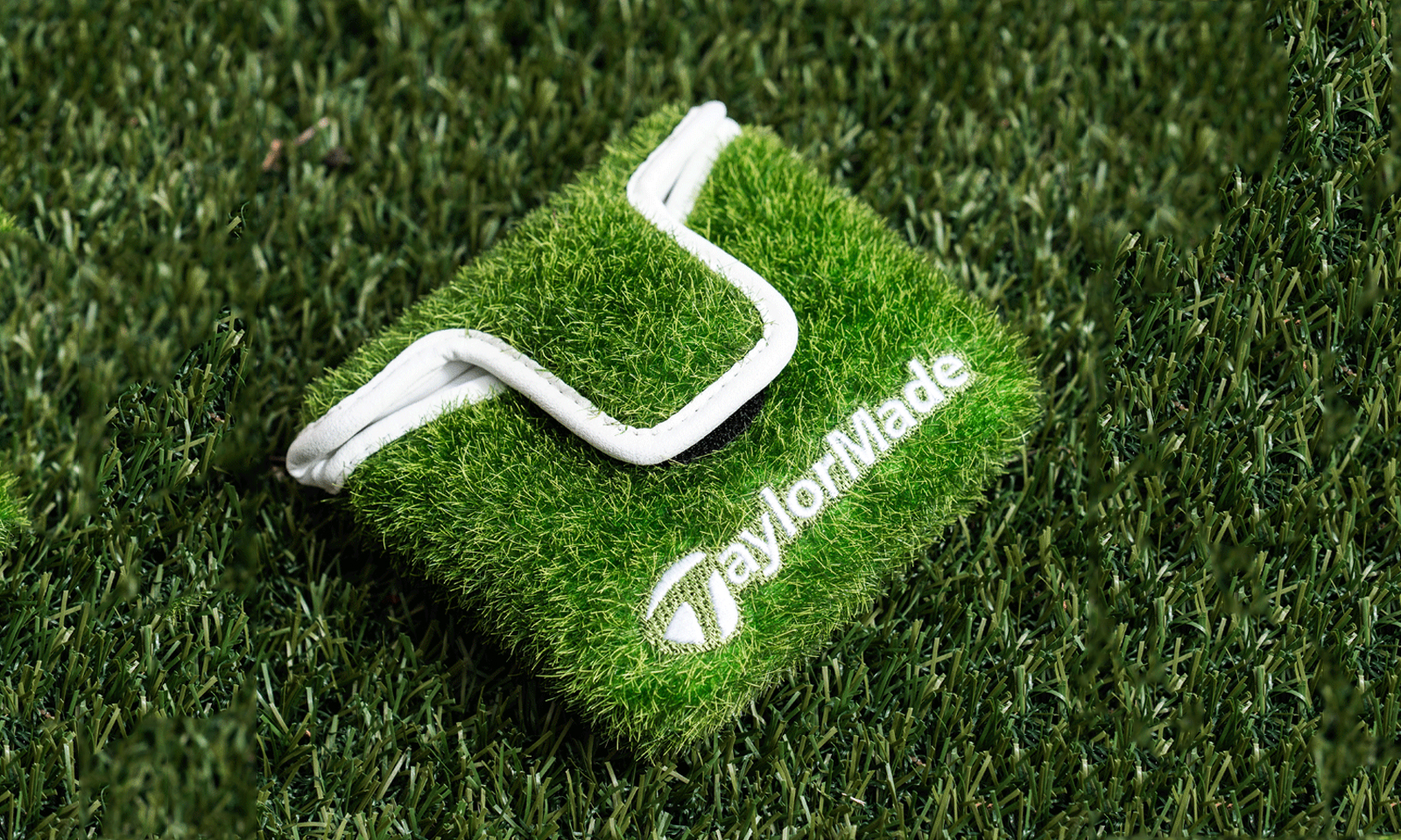 Turf inspired Putter Cover